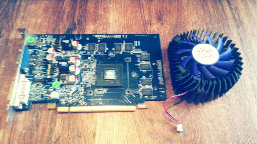 Замена термопасты на видеокарте Nvidia GT240
