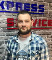 Юрий Титарев, Сервис-инженер